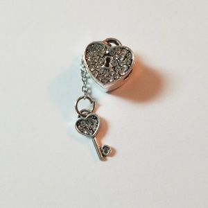 3/$20💜Silver Cz Heart and Key Charm For Pandora